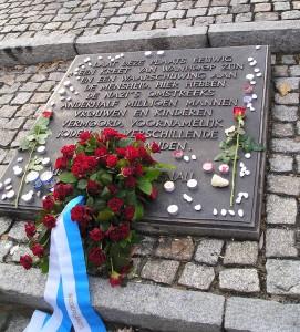Auschwitz Gedenksteen Foto:collectie M.Slotboom-Bouwman