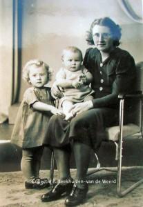 Adriana Ruijsch met haar kinderen, Pietje en Evertje