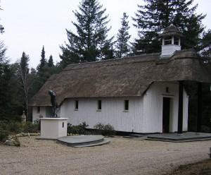 Ereveld Loenen Kapel en monument Vallende Man